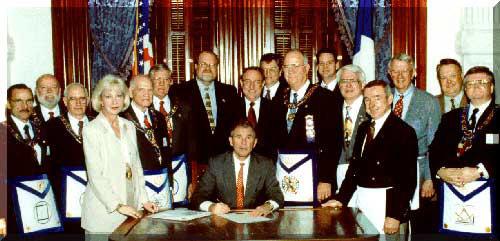 president-bush-skull-&-bones-yale-freemason-texas-