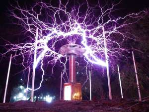 tesla-coil-huge-discharges-1